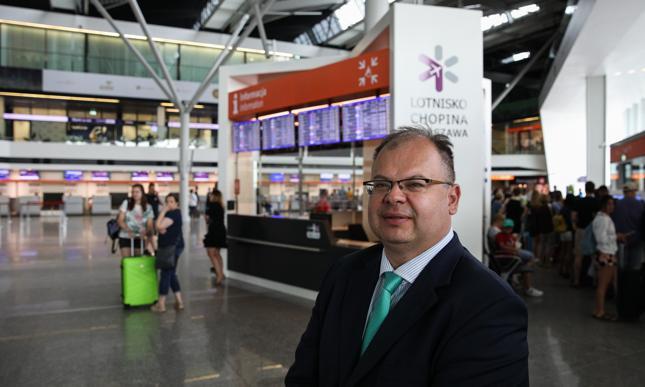 Prezes Urzędu Lotnictwa Cywilnego Piotr Samson.