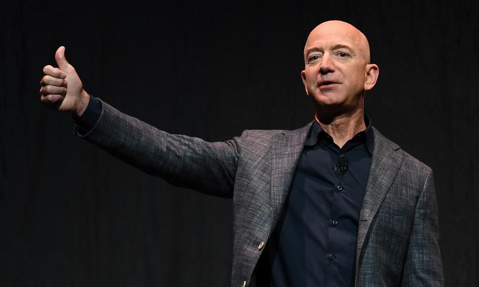 Jeff Bezos może wygrać kosmiczny wyścig miliarderów