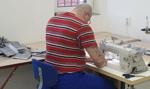 Więźniowie z Wołowa szyją dziennie 7,5 tys. maseczek