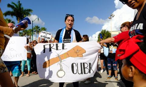 OCDH: na Kubie ponad 900 aresztowanych i zaginionych po antyrządowych protestach