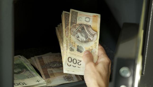 85 proc. Polaków ma konto w banku