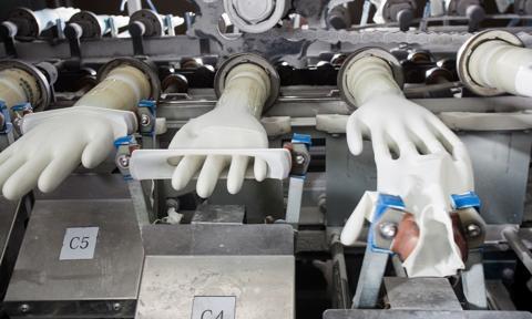 Malezja zamyka część fabryk rękawiczek medycznych