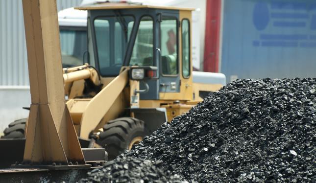 GUS: rok 2015 kolejnym rokiem spadku wydobycia węgla kamiennego