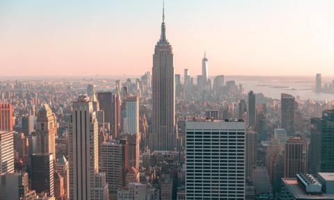 Nowy Jork złagodzi obostrzenia w niektórych rejonach stanu