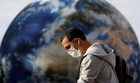 WHO: pandemia koronawirusa jeszcze się nie skończyła mimo wynalezienia szczepionek