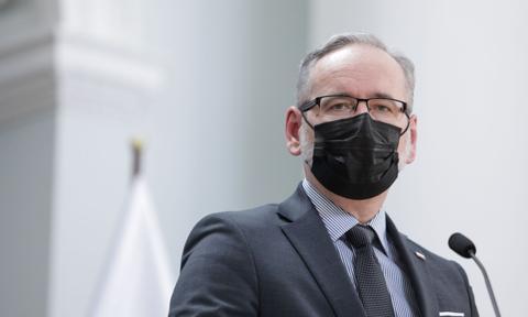 Niedzielski: Rząd zainwestuje 6,5 mln zł w laboratoria sanepidu