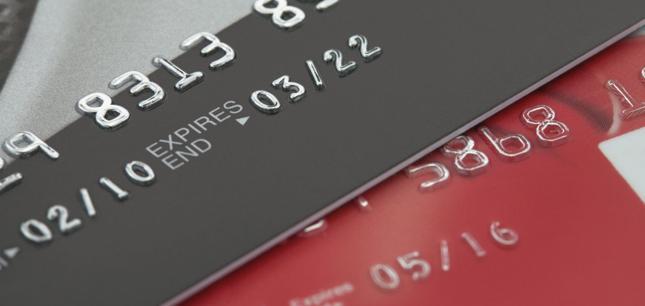 Kartę kredytową można mieć za darmo, jeśli jesteśmy gotowi wyciągnąć ją od czasu do czasu z portfela