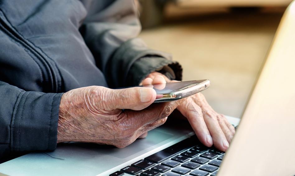 BIK ostrzega przed oszustami podającymi się za pracownika banku lub znanej firmy