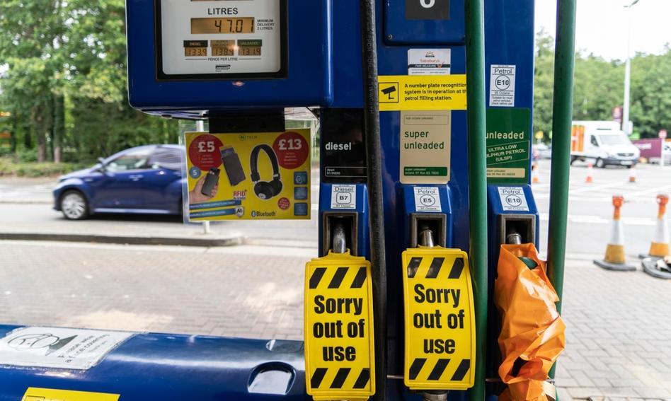 150 wojskowych kierowców ma rozwozić paliwo w Wielkiej Brytanii