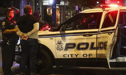 USA: zamieszki po postrzeleniu przez policję czarnoskórego mężczyzny