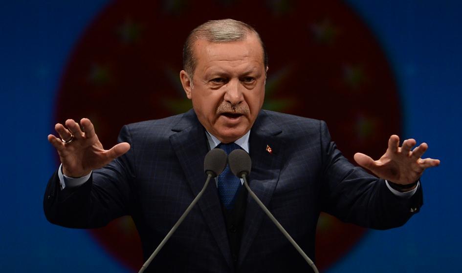 """Erdogan: Zatrzymaliśmy """"ohydny atak gospodarczy"""""""