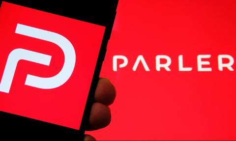 Apple przywraca komunikator Parler po wcześniejszej blokadzie