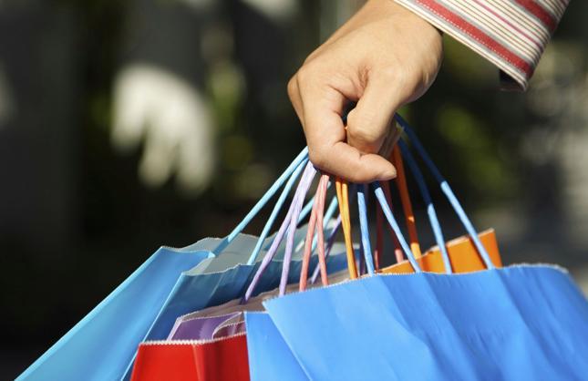 Polacy coraz częściej wybierają zakupy online