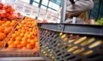 Deflacja w Polsce się nasila. GUS miesza w koszyku