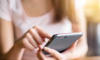 Unia kończy z roamingiem, ale Polacy wciąż będą za niego płacić