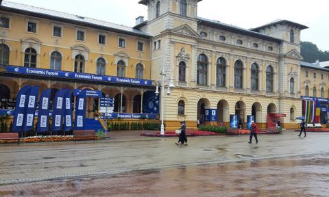 Szumowski: Jeśli Krynica-Zdrój będzie w czerwonej strefie, to Forum Ekonomiczne trzeba będzie odwołać