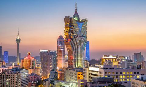 Pozornie potężny wzrost chińskich rezerw