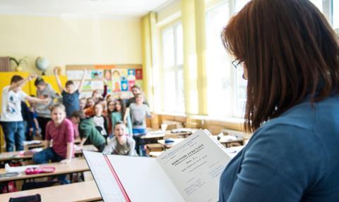 Szkoły nie chcą odpowiadać za Covid-19 u nauczycieli 60 plus