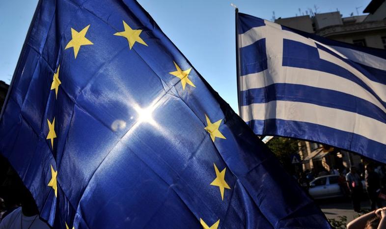 UE czeka na wyniki referendum w Grecji