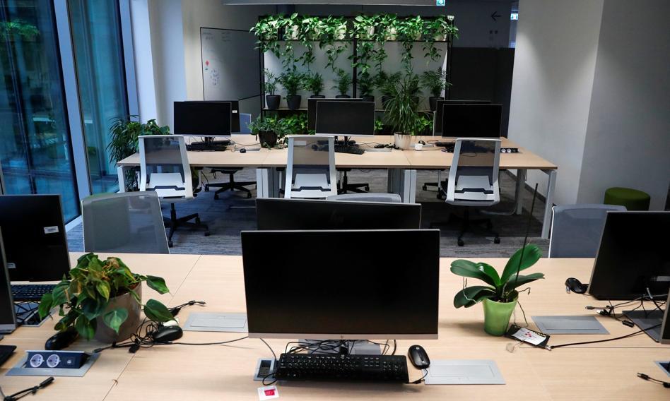 Większość pracowników nie wróci po pandemii do biura w pełnym wymiarze. Badanie BBC