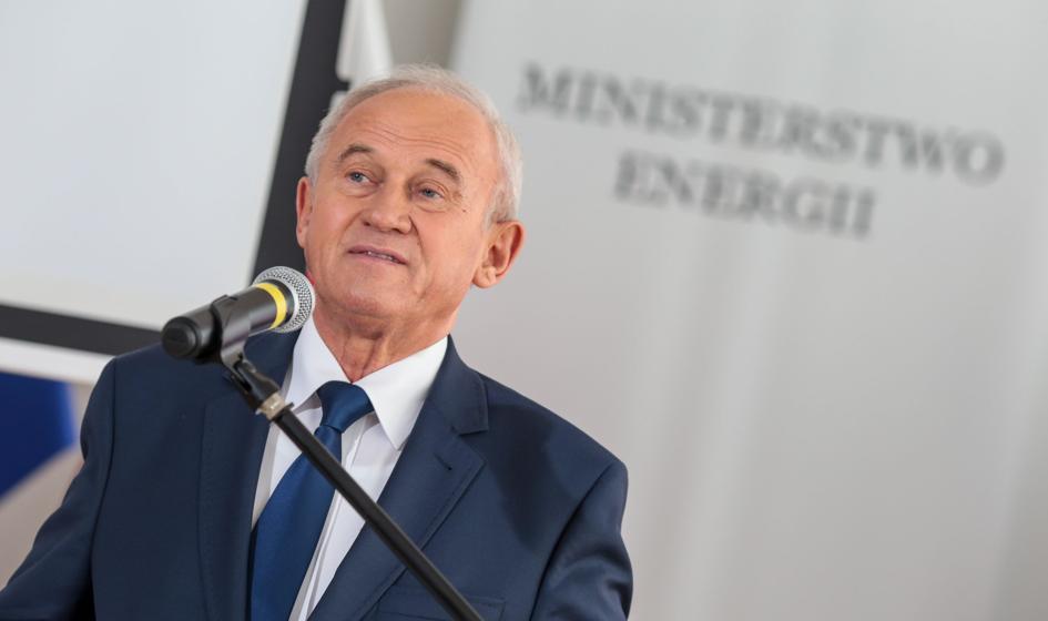 Tchórzewski zwolennikiem umieszczenia regulacji ws. offshore w ustawie o OZE
