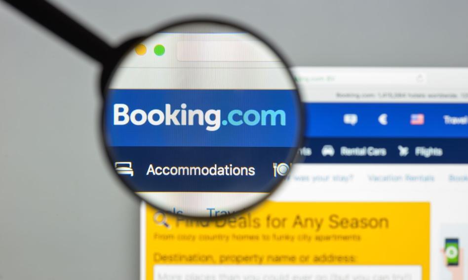 Booking.com wypłaca zarządowi miliony premii ze środków z rządowego wsparcia