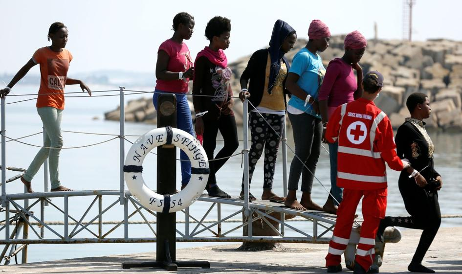 Włoski rząd proponuje strategię: 3 migrantów na 1000 mieszkańców