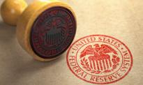"""Fed nie ogłasza rozpoczęcia """"taperowania"""", ale przyspiesza plany podwyżek stóp"""
