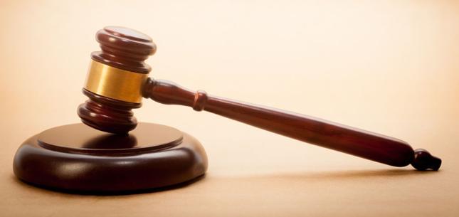 CBA zatrzymało adwokata, który przyjął łapówkę za załatwienie wyroku w sądzie
