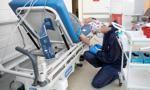 Gwałtownie rośnie liczba zakażeń i hospitalizacji