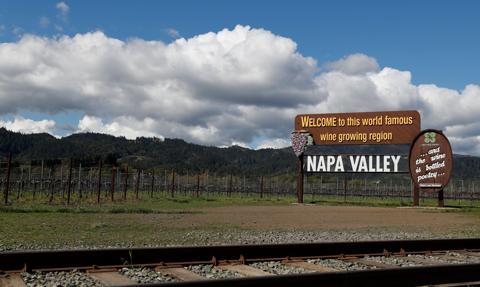 Pożar dotarł do Napa Valley - serca przemysłu winiarskiego w USA