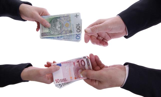 Przewalutowanie - jak przewalutować kredyt? Zasady