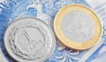 Złoty osłabiony po decyzji RPP. Kurs euro coraz wyżej