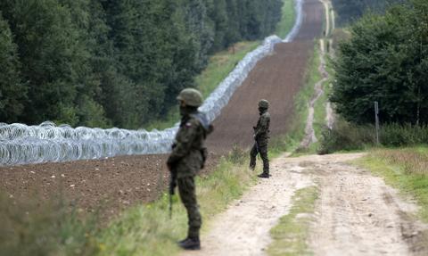 """Sejm """"zakazał"""" azylu. Nowe przepisy dotyczące nielegalnego przekraczania granicy"""