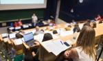 Przeciętny student miesięcznie wydaje ponad 2740 zł. Raport
