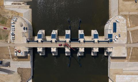 Największy w Polsce zbiornik przeciwpowodziowy Racibórz z pozwoleniem na użytkowanie