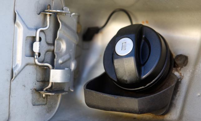 CBŚP rozbiło grupę przestępczą, która wyłudzała VAT na handlu paliwami