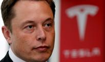 Musk ostrzega pracowników: akcje Tesli mogą zostać zmiażdżone