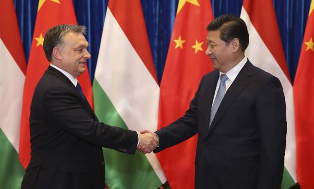 Premier Węgier Wiktor Orban i prezydent Chin Xi Jinping