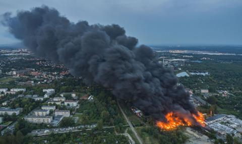 Gigantyczny pożar w rejonie składowiska odpadów w Sosnowcu