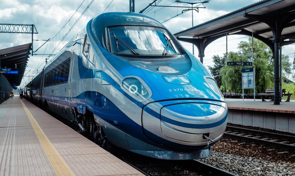 Koniec tanich biletów kupowanych z wyprzedzeniem. PKP Intercity zmienia cennik