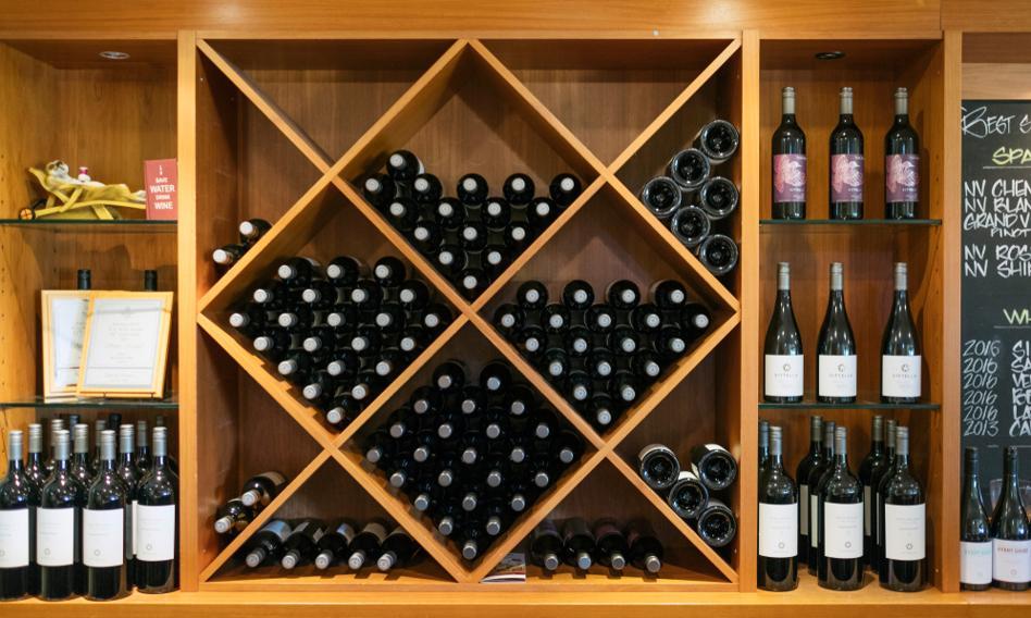W Polsce, krainie wódki i piwa, pije się coraz więcej wina