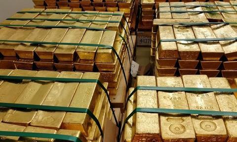 Kolejne kraje zbroją się w złoto. Na liście również Polska