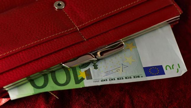 Płaca minimalna w Unii Europejskiej waha się od 194 euro do 1923 euro na miesiąc