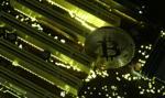 Kolejne firmy rzucają fanom bitcoina kłody pod nogi