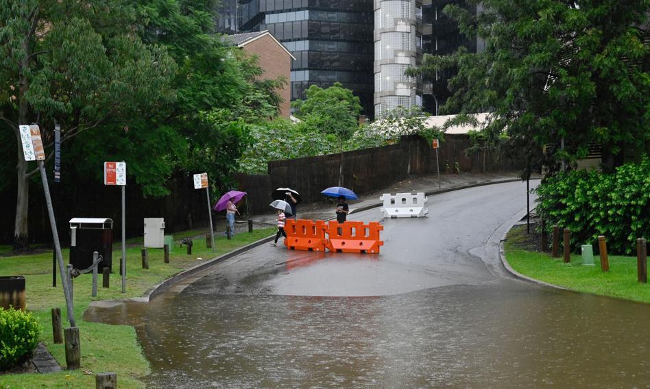 Dziesiątki miast w Australii odcięte od świata wskutek powodzi