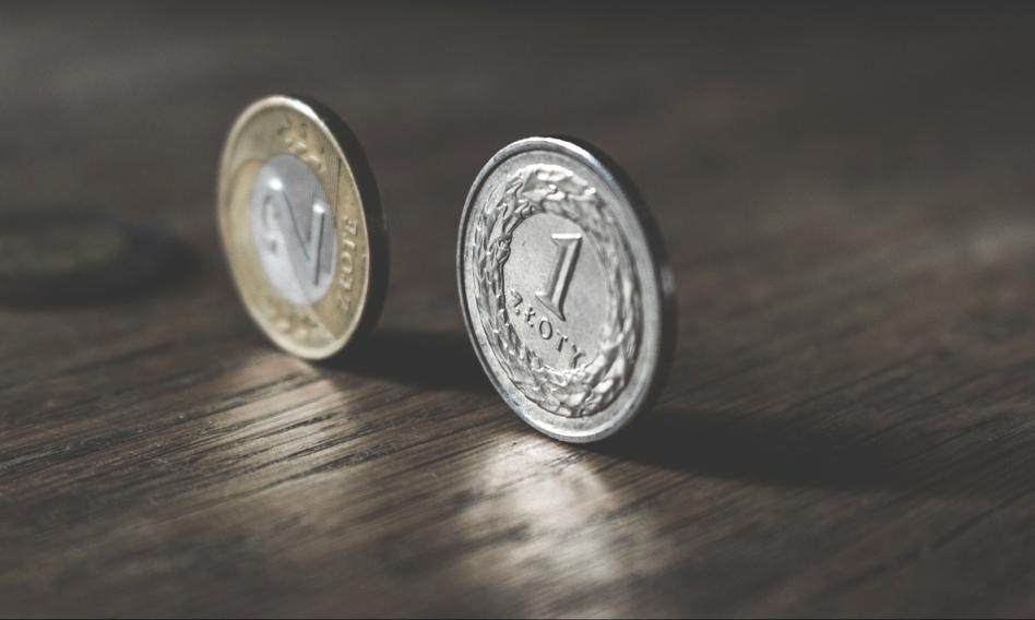 BIK: wartość udzielonych pożyczek w październiku spadła o prawie 33 proc. rdr
