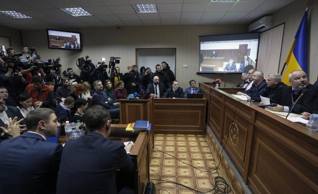 Janukowycz przesłuchiwany przez sąd w Kijowie