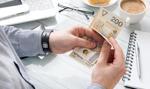 Banki podwyższają premie dla przedsiębiorców. Można dostać nawet 1700 zł
