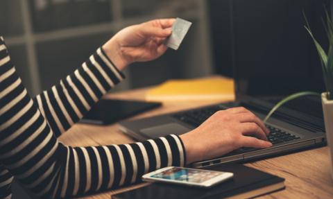 Wygodniejsze płatności w sieci okupimy inwigilacją